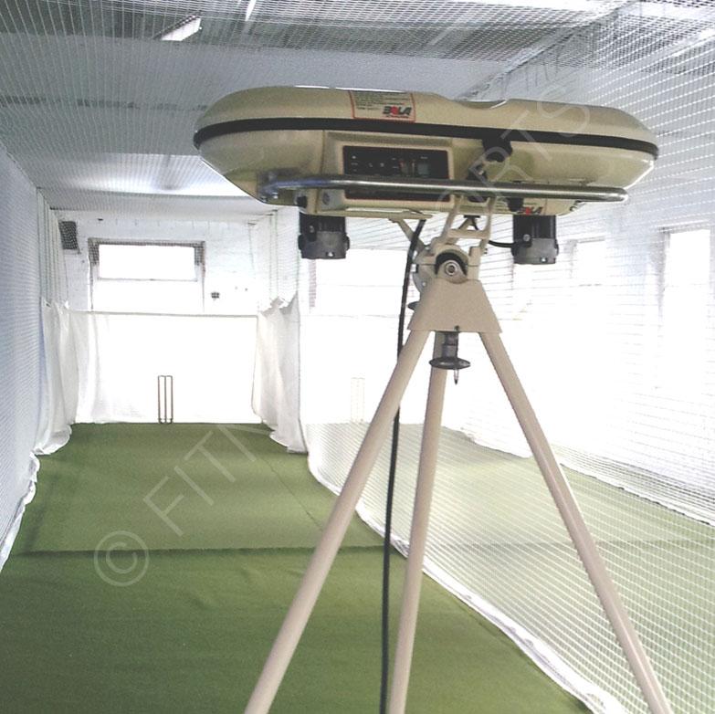 BOLA Professional Automatic Cricket Bowling Machine ...