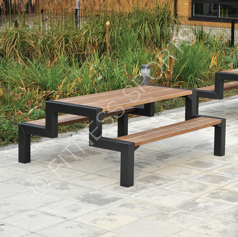 Outdoor Seating Table & Chairs