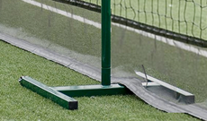Intermediate netting freestanding support post
