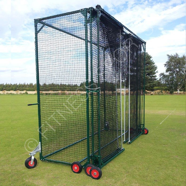 Folding cricket net