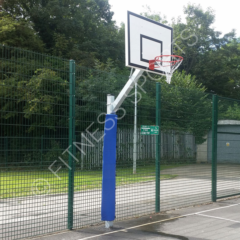 Steel Outdoor Fenced Sports Enclosures For Football